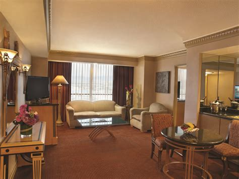 tower luxury suite living room relux   rooms