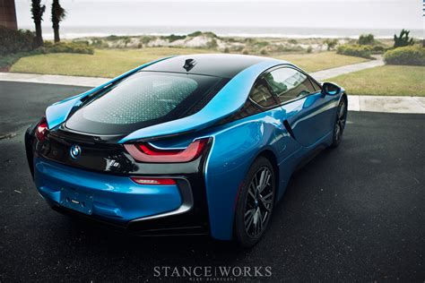 bmw  marketing campaign caters  technophiles