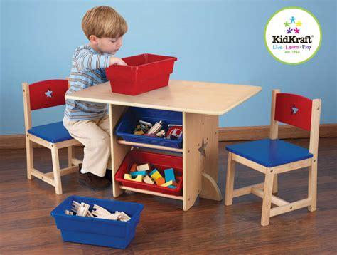 table et chaises enfants table chaises et bac rangement enfant en bois etoile