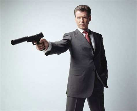 roger moore die another day pierce brosnan avoue avoir 233 t 233 froidement remerci 233 apr 232 s