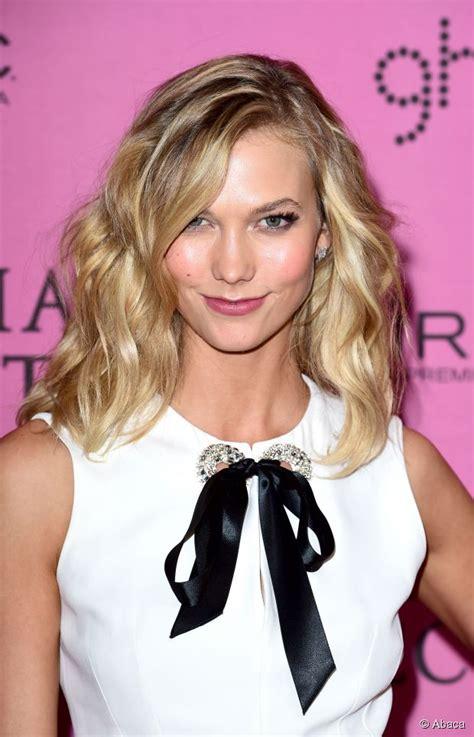 karlie kloss  ways  wear medium length layered hair