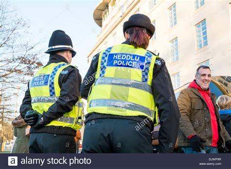 Heddlu Police Woman In Cardiff, Wales, Uk Stock Photo
