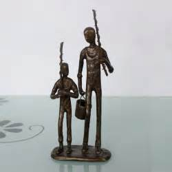 cast iron metal arts and craft for home decoration the Father and son fishing figurines
