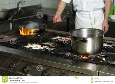 cuisine sale vieille cuisine sale de restaurant photo stock image du