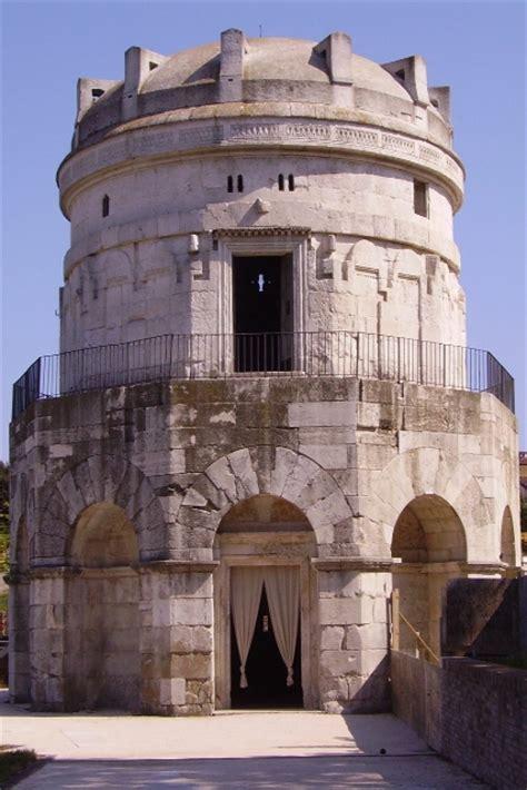 mausoleo  teodorico  ravenna arte paleocristiana arte