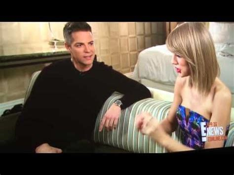 Taylor Swift E! Interview 4/29 - YouTube | Interview ...
