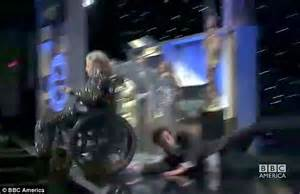 HollyNolly: Watch your step! Sacha Baron Cohen shocks ...