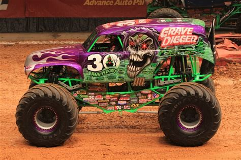 grave digger 30th anniversary monster truck toy gravedigger 30th anniversary monster trucks pinterest