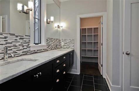 Bathroom Backsplash Ideas With White Wall And Black