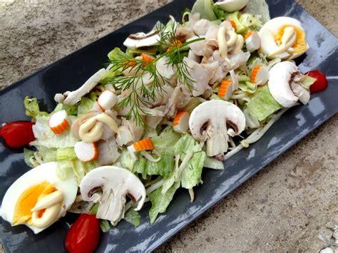 cuisiner crevettes salade de poisson et surimi sauce aneth et miel la