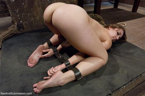 Not A Stitch L Dirty Fuck Thing In Gallery Barefoot Naked Bondage L Picture Uploaded By