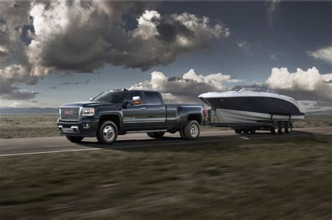 Towing A Boat Into The Us by Ford And Gm Add High Tech Towing Aide Packages To New Trucks