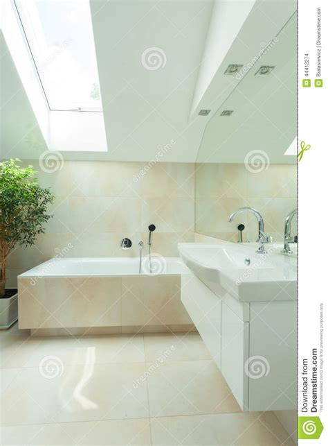 Dach Badezimmer Modern by Modern Bathroom With Roof Window Stock Photo Image Of