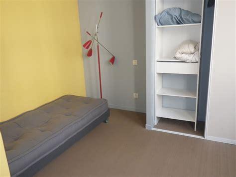 louer une chambre à un étudiant étranger chambre dans appartement style industriel location