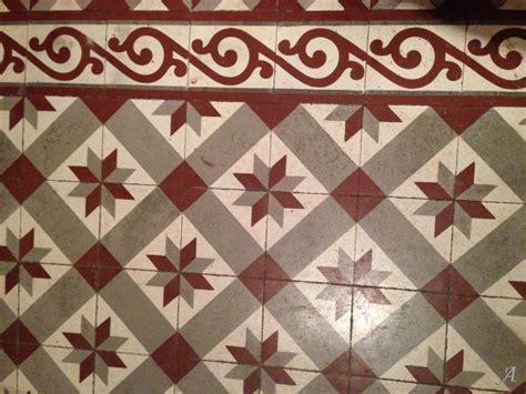 carreau cuisine carrelage ancien en ciment artisans du patrimoine