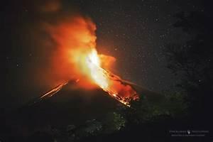 Volcán de Fuego & Perseo - Sky & Telescope