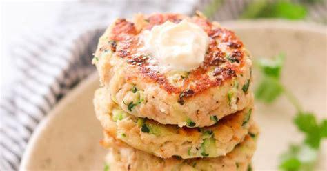 I meant to say freezer friendly. Paleo & Whole30 Salmon Cakes with Zucchini (Nut Free, Keto) | Recipe | Salmon cakes recipe ...