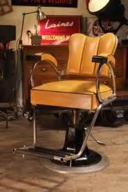 siege barbier ancien miroir tryptique avec chainette barbier coiffeur