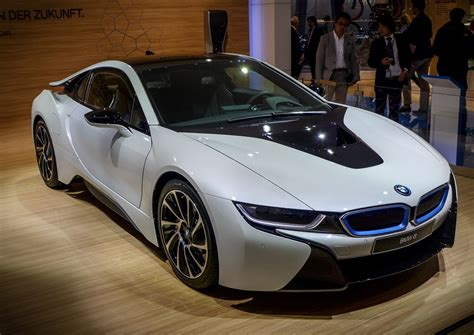 Latest New Crystal White Bmw I8 Luxury Two Seater Car