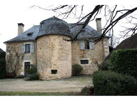 cuisine et cave midi pyrénées château médiéval à vendre