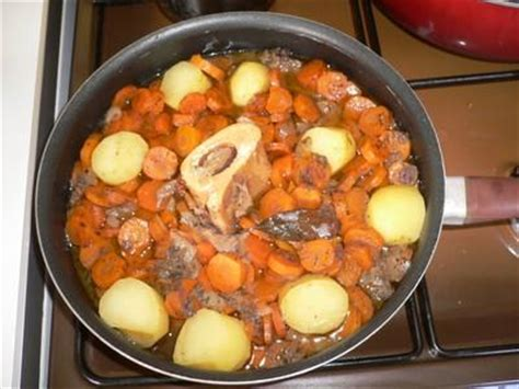 cuisiner le boeuf bourguignon recette boeuf bourguignon notée 4 5
