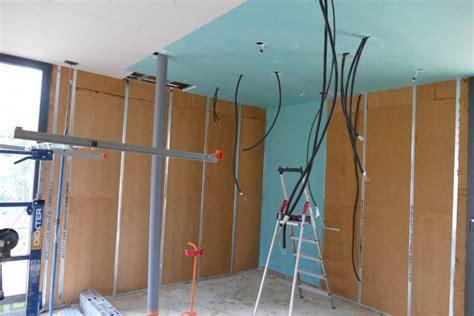 humidité plafond chambre let s go placo plafond et murs périphériques la maison