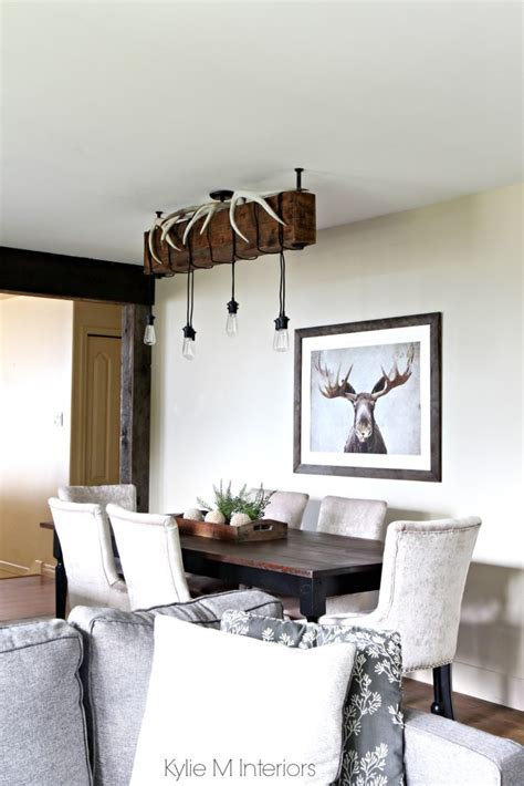 Rustic country or hunting decor in a dining room. Benjamin