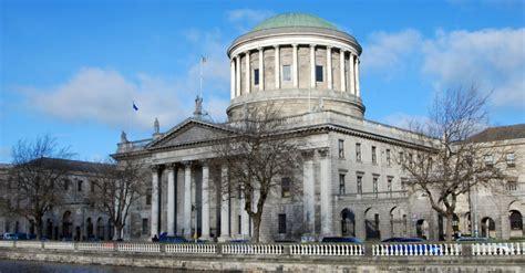 el tribunal dicta una orden  impide  la empresa de servicios financieros despida  md