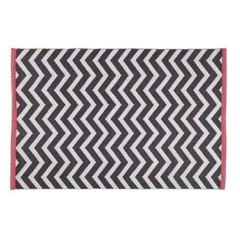 tapis gris anthracite wave 140x200 maisons du monde