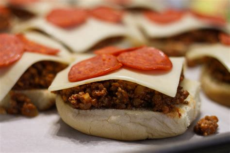 pizza burgers recipe toppings deluxe fun might