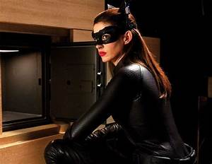 Anne Hathaway Catwoman Picture Gallery   A Star News & Gallery