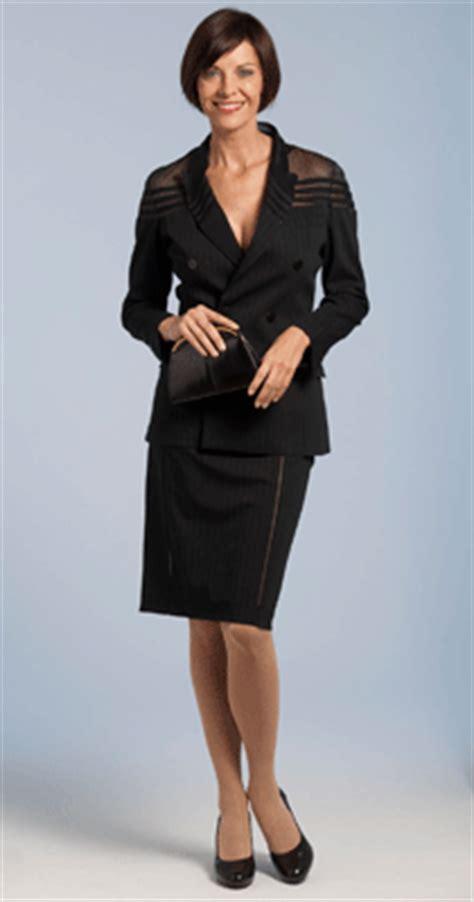 business casual damen knigge festlicher dresscode f 252 r damen knigge