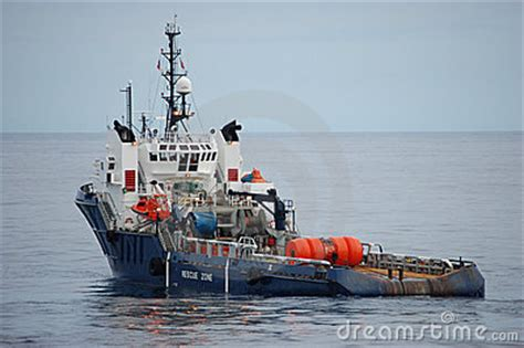 Tug Boat Price In India by Ahts Gadwg Ahts Vessels For Sale In Singapore With