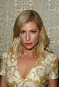 Ari Graynor Wallpapers High Quality | Download Free