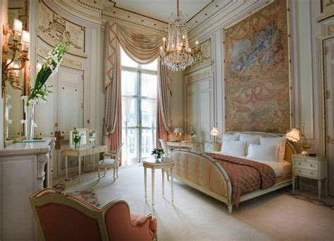 15 World's Most Beautiful Bedrooms