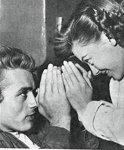 Natalie Wood & James Dean in a playful mood | On the set ...