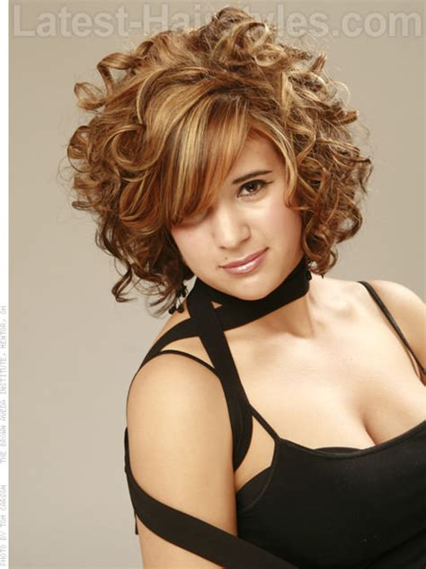 Curl Hairstyle For by Curly Hairstyles For Prom