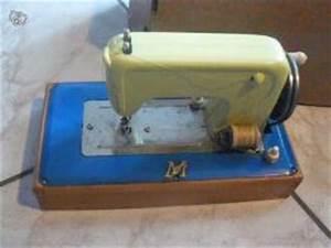 Petite Machine À Coudre : petite machine coudre en jouet ancien collection ~ Melissatoandfro.com Idées de Décoration