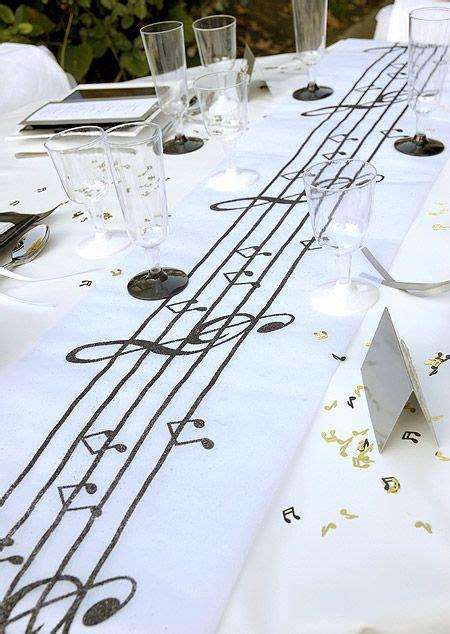 le chemin de table intisse theme musique blanc noir