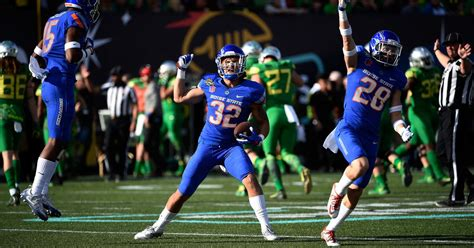 boise state beats oregon   strong defensive effort