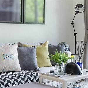 Living Room: Throw Pillows For Couch With White Wall