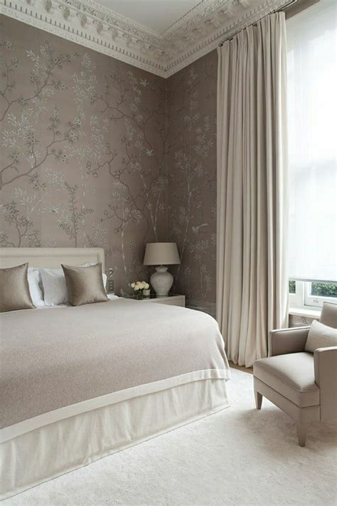chambre a coucher taupe mur taupe couleur taupe rideaux
