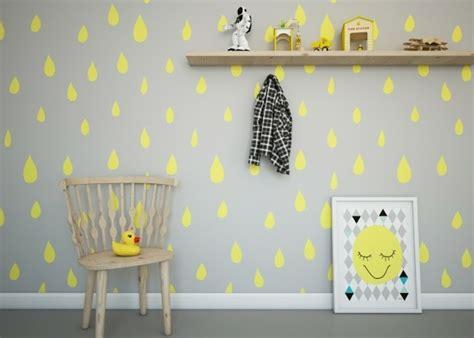 chambre bébé grise et blanche chambre jaune et blanche panneau d coratif mural en d et