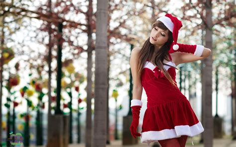 agnes lim asians christmas outfits outdoors women