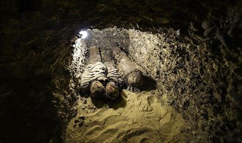 Archaeologists Find 2,000 Tombs Linked To