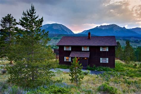 Charming 3 Bedroom Home In Silverthorne....