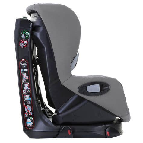 installation siege auto axiss axiss de bébé confort siège auto groupe 1 9 18kg aubert