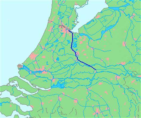 Scheepvaart Amsterdam Rijnkanaal by Inhangen Voorspanliggers Galecopperbrug Amsterdam