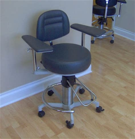 used dexta surgical stool 905b ophthalmology chair and
