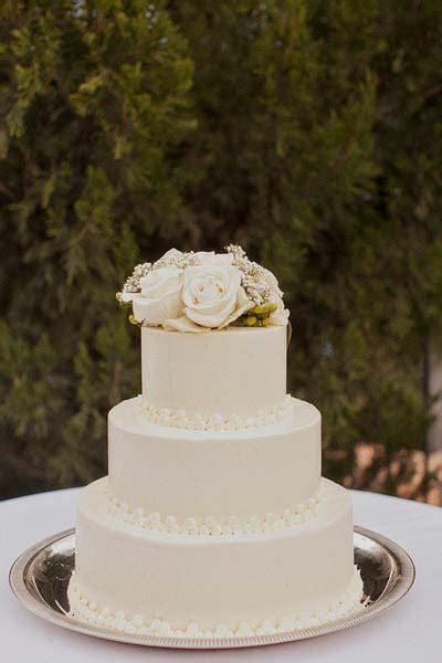 classic white fondant wedding cake elizabeth anne